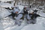 Norwegische Soldatinnen (2010) - Foto: Adrian Lombardo (Flickr: Kringvern) (CC BY 2.0)