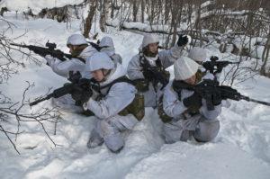 Norwegische Soldatinnen (2010) - Foto: Adrian Lombardo